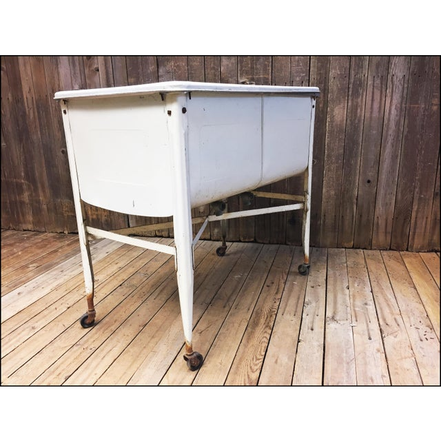 Vintage White Double Basin Metal Wash Tub with Stand - Image 8 of 11
