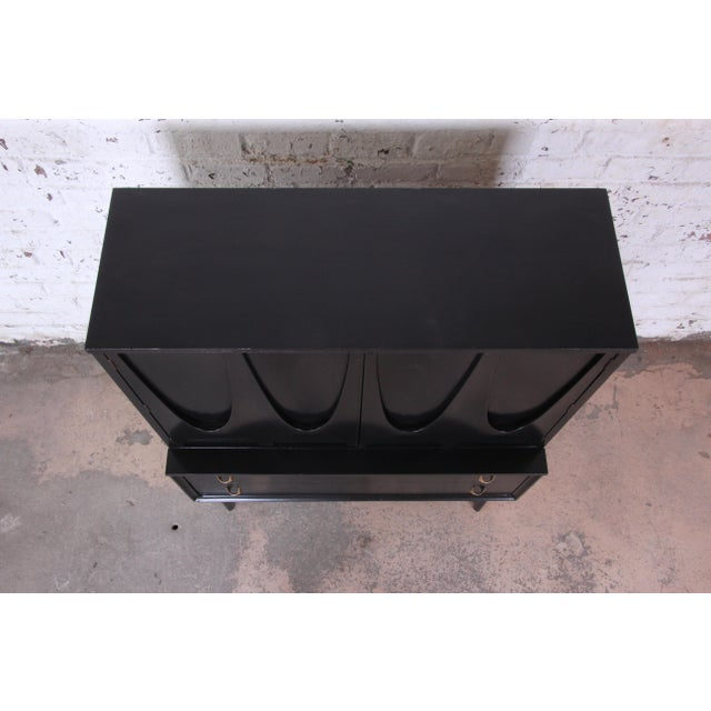 Broyhill Brasilia Mid-Century Modern Ebonized Gentleman's Chest, 1966 For Sale In South Bend - Image 6 of 13