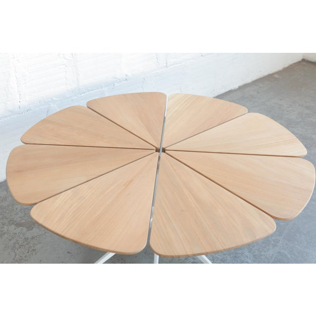 Designed by Richard Schultz for Knoll. Has no finish on top.