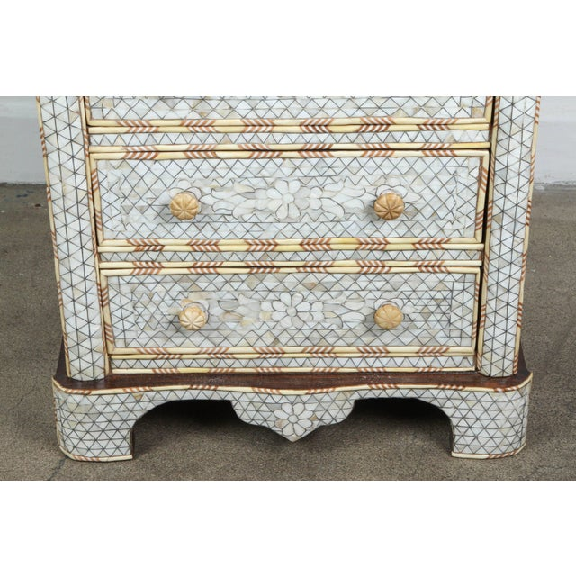 Islamic Pair of Mother-Of-Pearl Inlay Syrian Nightstands For Sale - Image 3 of 11