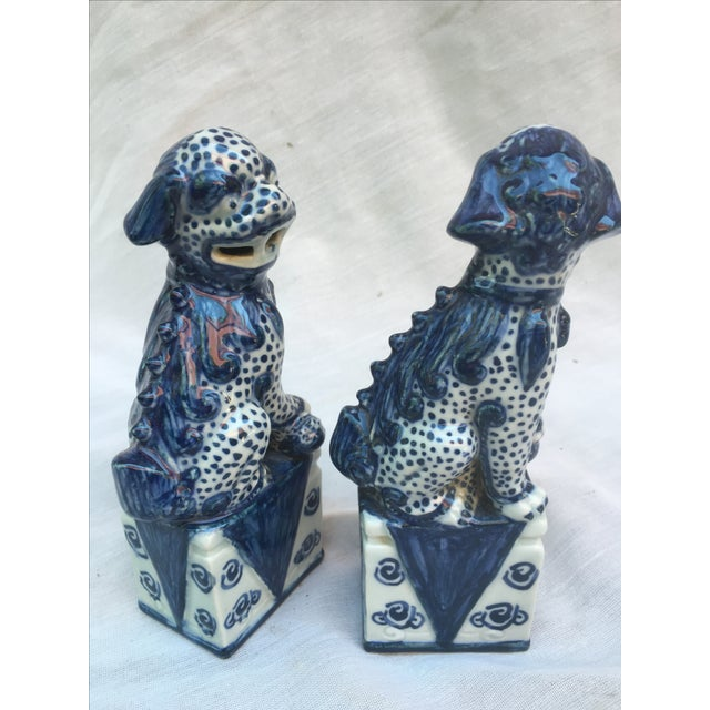 Blue & White Foo Dogs - A Pair - Image 6 of 9