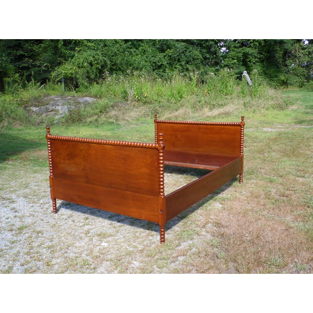 Antique Solid Hardwood Double Full Size Jenny Lind Spool Bed Tulip Finial Daybed For Sale - Image 10 of 13