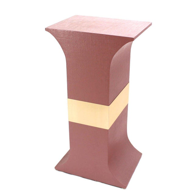 Brass Mid-Century Modern Grasscloth Wrapped Pink Lacquer Brass Trim Pedestals- Set of 3 For Sale - Image 7 of 9