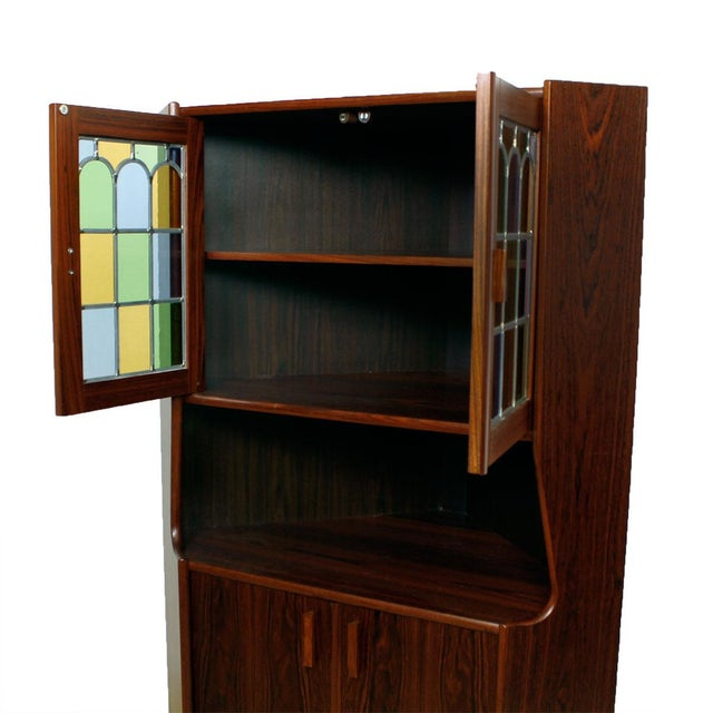 Rosewood Corner Bar W/ Stained Glass Doors - Image 6 of 6