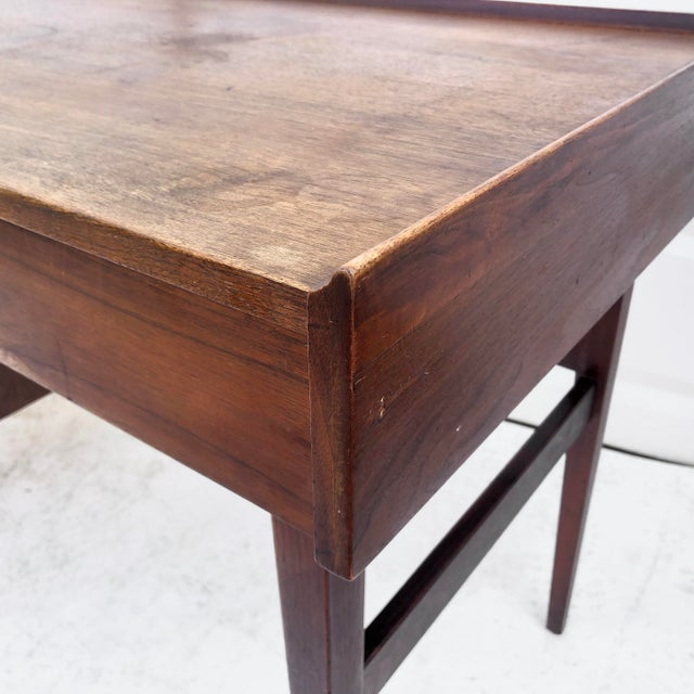 Brown Mid-Century Writing Desk With Raised Edge by Dillingham For Sale - Image 8 of 13