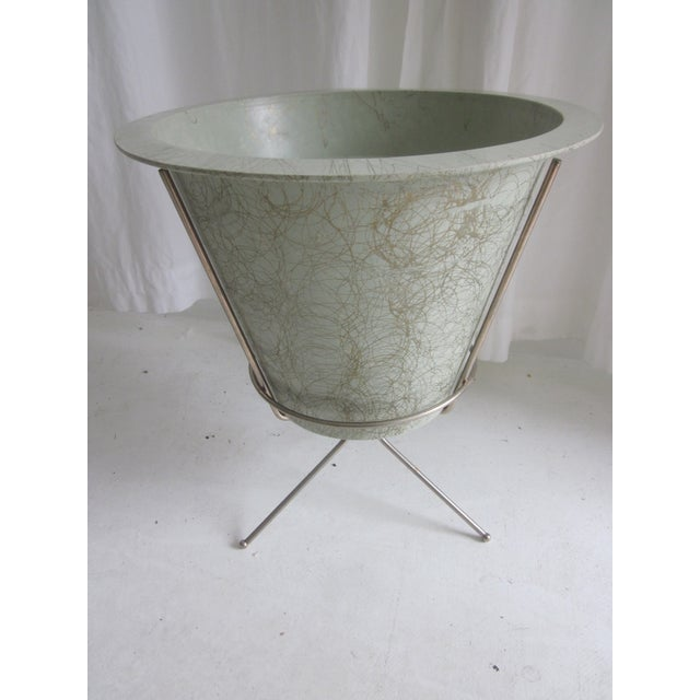 MCM Atomic Green Fiberglass Plant Pot and Stand - Image 2 of 11