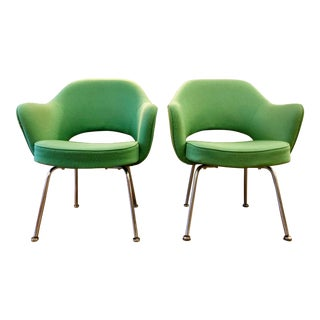 Pair of Green Vintage Saarinen Executive Armchairs for Knoll For Sale