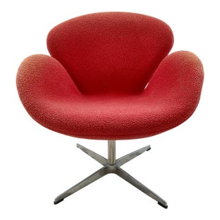 Arne Jacobsen Swan Chair, Orange Frieze Fabric - Vintage For Sale