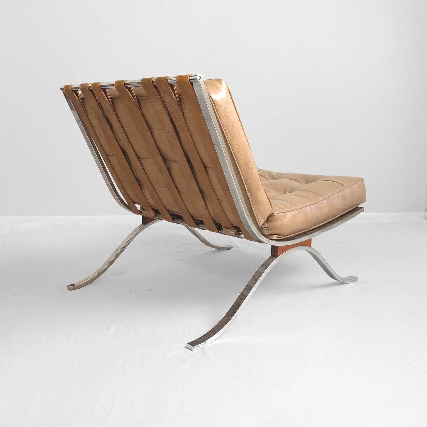 Genial Mid Century Modern Tan Faux Leather Barcelona Style Chair By Selig   Image  4 Of