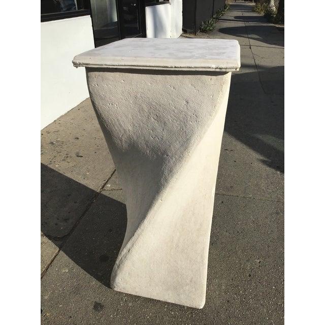 Minimalism 1980s Vintage Plaster Twisted Pedestal For Sale - Image 3 of 8
