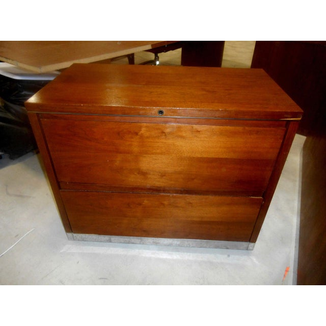 1960s Mid-Century Modern Walnut & Chrome 2 Drawer Filing Chest For Sale - Image 6 of 6