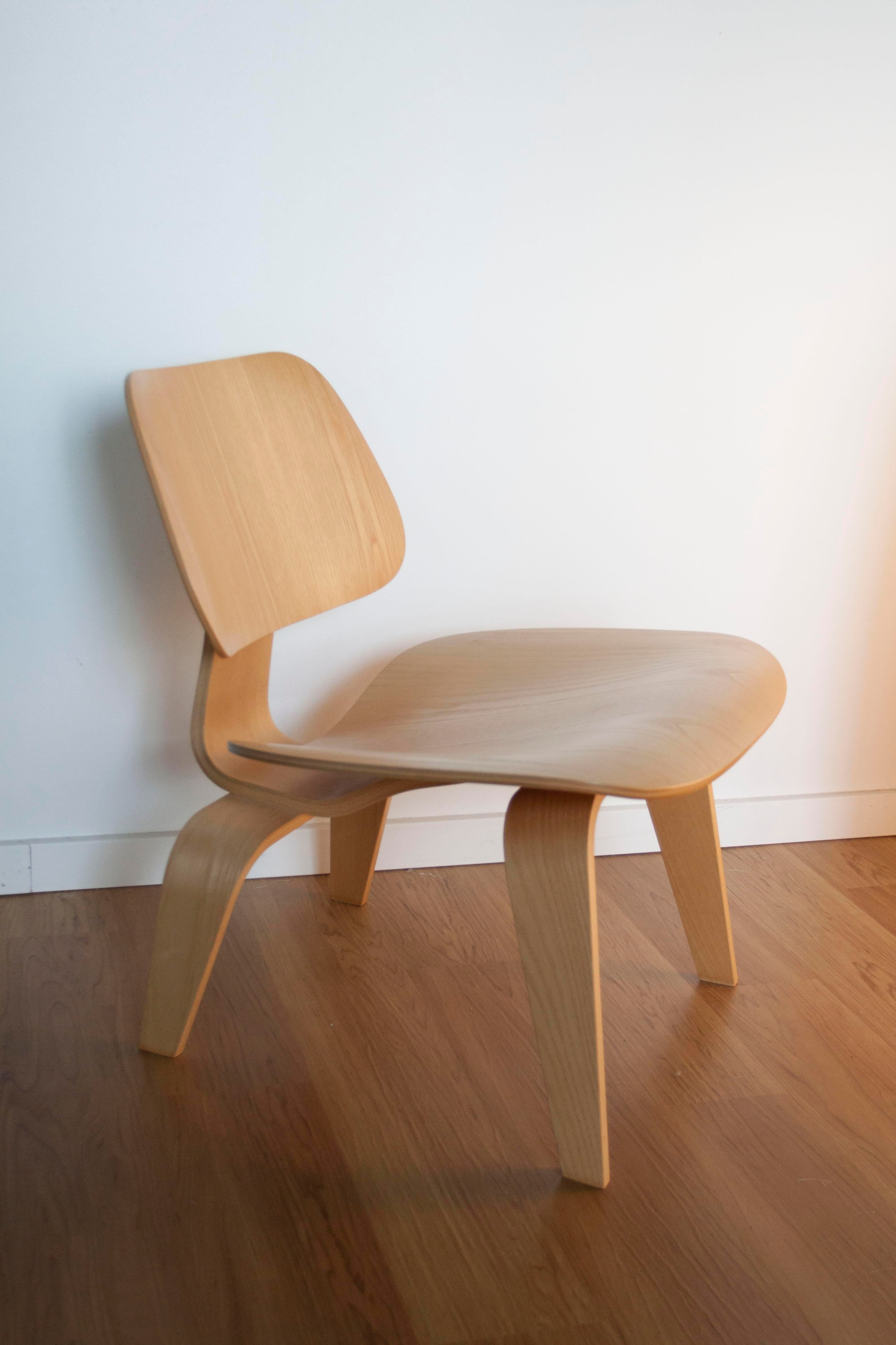 Eames Herman Miller LCW Chair   Image 3 Of 10