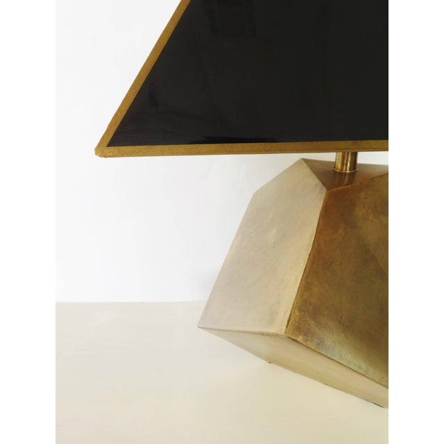 Mid-Century Modern Pair of Geometric Form Sculptural Brass Lamps Manner of Gabriella Crespi For Sale - Image 3 of 5