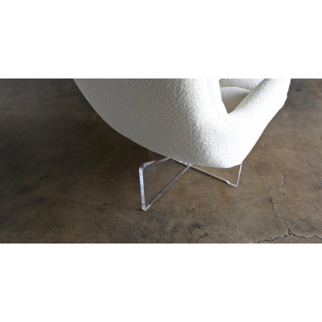 White Vladimir Kagan Lucite and Bouclé Swivel Lounge Chair Circa 1970 For Sale - Image 8 of 13