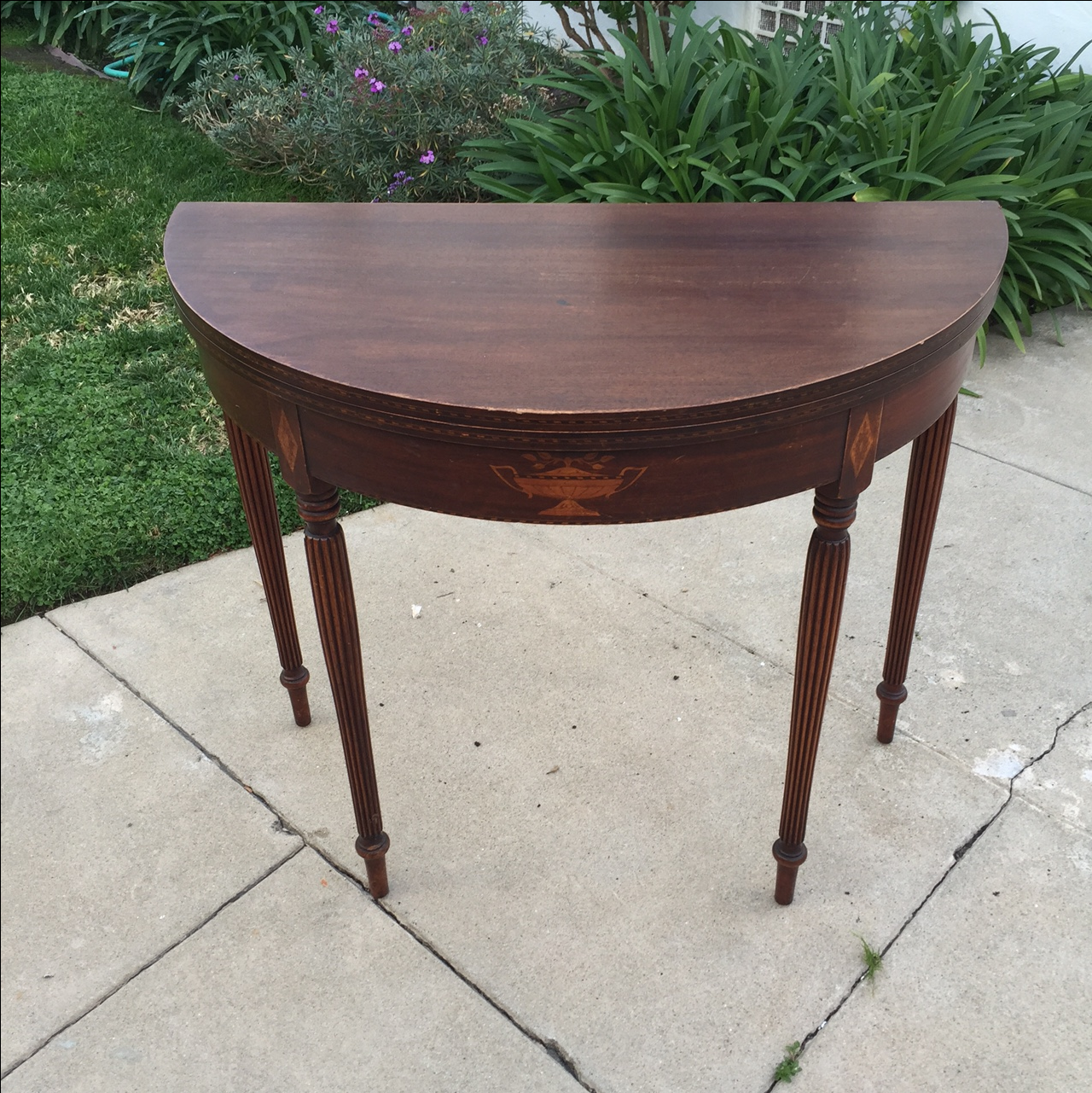 Superieur Antique Half Moon Side Table That Converts Into A Full Round Table,  Featuring Beautiful Detail