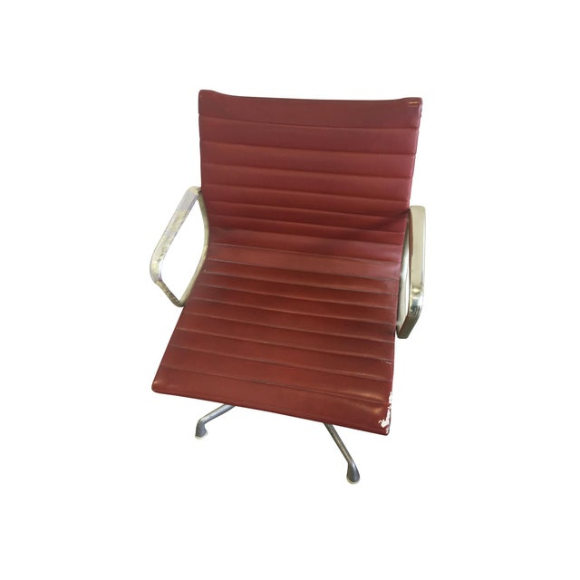 Aluminum Eames Swivel Chairs for Herman Miller - a Set of 6 For Sale - Image 7 of 12
