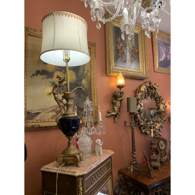 Antique French Bronze and Cobalt Blue Urn Table Lamp With Shade For Sale - Image 4 of 11