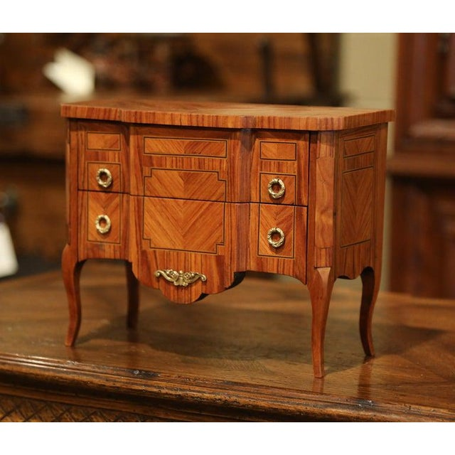 Mid-20th Century French Louis XV Walnut Veneer Marquetry Inlay Miniature Commode For Sale - Image 4 of 10