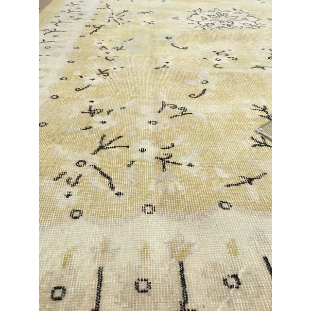 1980s Yellow Oushak Anatolian Lowpile Distressed Rug - 6′2″ × 9′4″ For Sale - Image 4 of 8