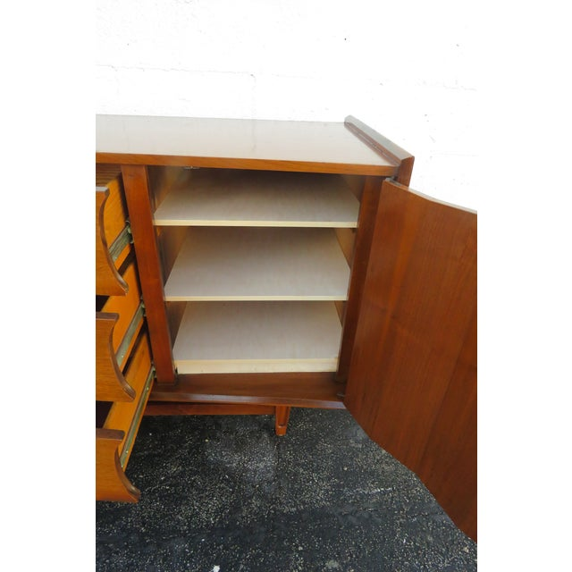 Mid Century Modern Long Dresser Sideboard Tv Media Console 2714 For Sale - Image 4 of 11