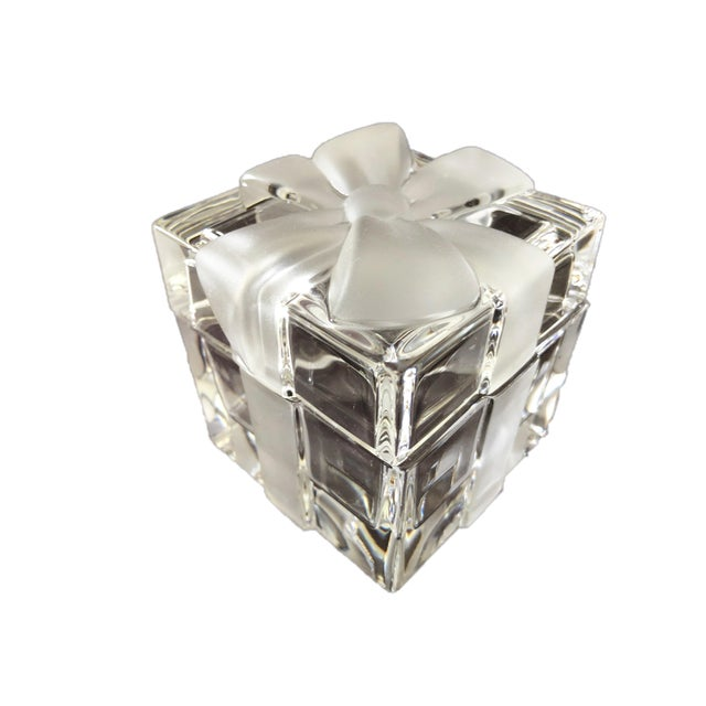 Tiffany & Co. Cut crystal all purpose trinket box……..beautiful RIBBON & BOW pattern/design……….SEE PICTURE. It measures...