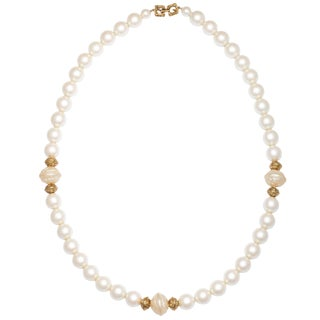 Chanel Style Large Faux Pearl Necklace For Sale