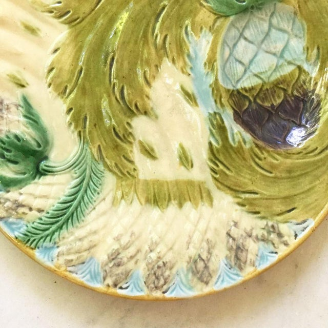 French Provincial 1880s Majolica Asparagus Plate Attributed to Saint Amand For Sale - Image 3 of 10