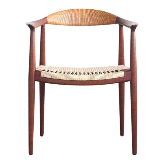 1950s Mid-Century Modern Hans Wegner Teak and Wicker Round Chair For Sale