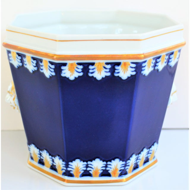 Vintage Mottahedeh Cobalt & White Neoclassical Cachpot For Sale - Image 10 of 12