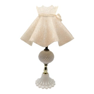 1950s Hobnail Milk Glass Bedside Table Lamp With Plastic Ruffle Shade For Sale