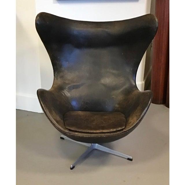Mid-Century Modern Early Arne Jacobsen for Fritz Hansen Egg Chair For Sale - Image 3 of 10