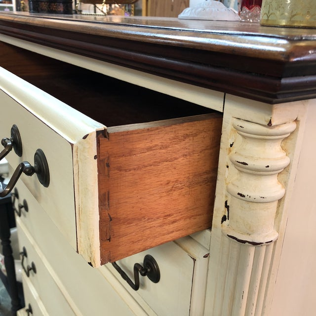 Vintage Mahogany Chest of Drawers For Sale In Orlando - Image 6 of 11