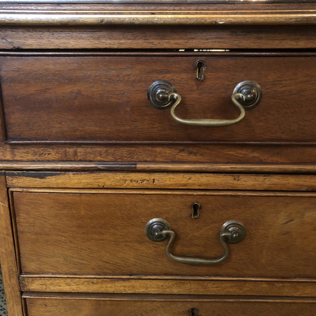 1900s Georgian Style Mahogany Partners Desk With Leather Top For Sale - Image 11 of 12