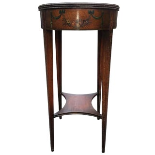 1960s Traditional Oval Hand-Painted Mahogany Side Table For Sale