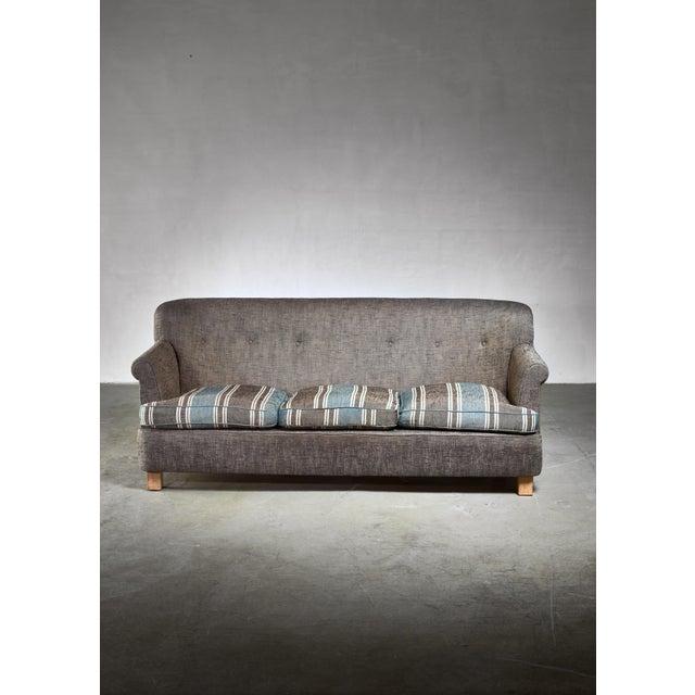Artek Artek Three Seater Sofa, Finland, 1960s For Sale - Image 4 of 5