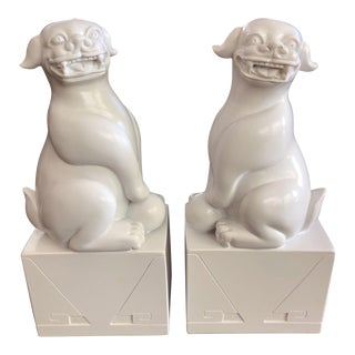 Jonathan Adler White Foo Dogs - a Pair For Sale