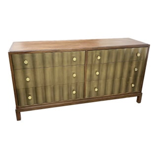 Vanguard for Kravet Maple N Gold Scalloped 6 Drawer Biltmore Bedroom Dresser For Sale