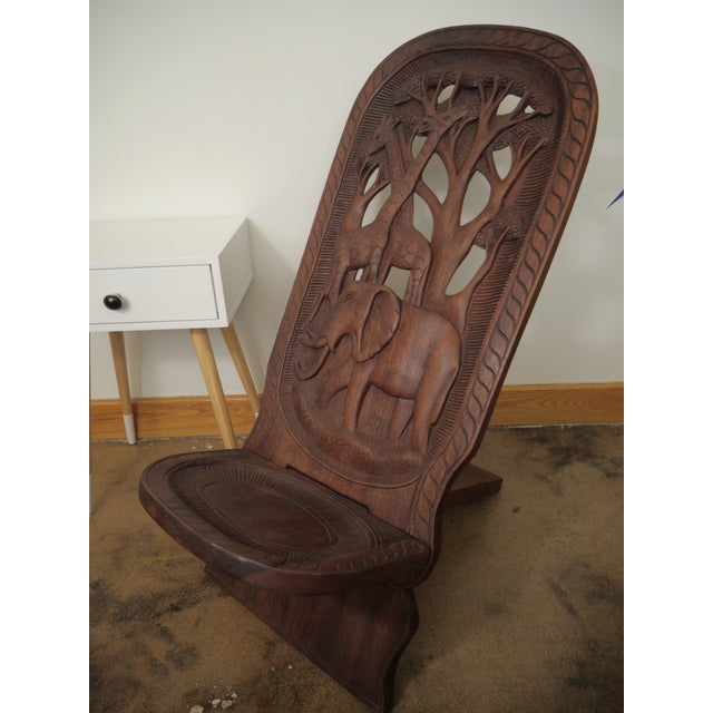 20th Century African Mahogany Bantu Carved Tribal Chief Chairs - a Pair For Sale In Richmond - Image 6 of 10