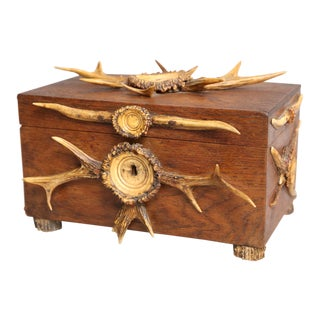 Antique English Gent's Oak Box With Antlers