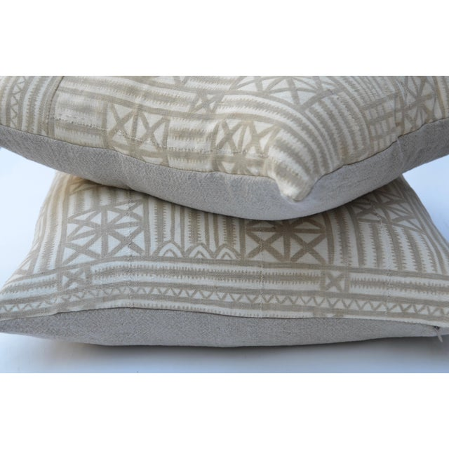 1950s Vintage Traditional Mud Cloth Pillow Pair 24 X 24 For Sale - Image 5 of 7