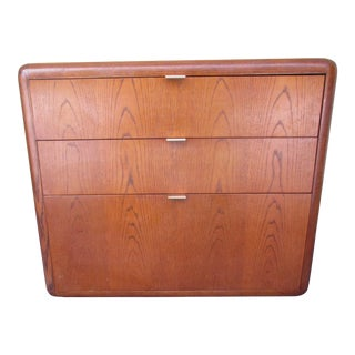 Mid-Century Modern 3-Drawer File or Storage Cabinet With Rounded Corners For Sale