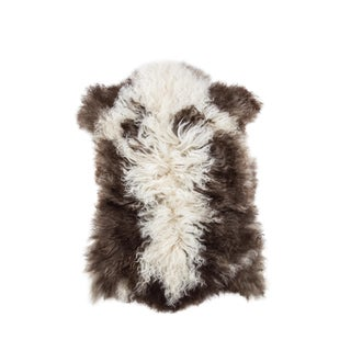 "2010's Modern Natural Sheepskin Pelt - 2'1""x2'6"" For Sale"