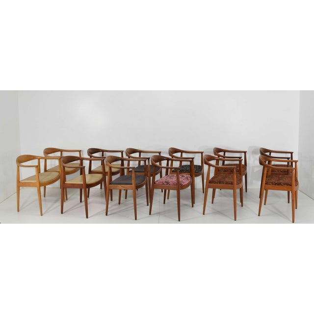 1960s Hans Wegner Round Teak Dining Chairs - a Pair (8 Available) For Sale - Image 5 of 10