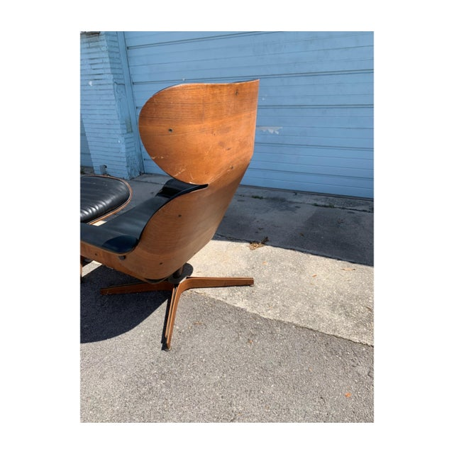 Mid Century Modern Mr Chair and ottoman by George Mulhauser for Plycraft. Bentwood. Stunning curves.