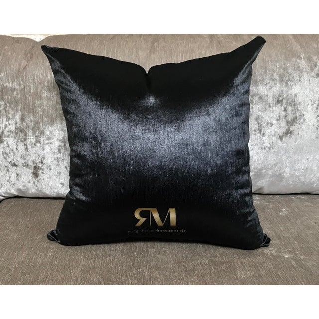 Cover Cushion - Pair of Velvet Decorative Pillows - Image 5 of 5