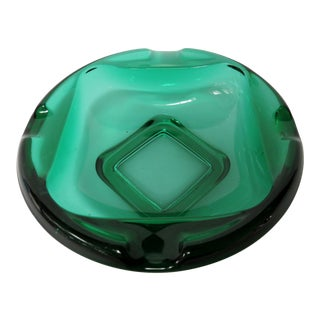 Early 20th Century American Emerald Glass Ashtray For Sale