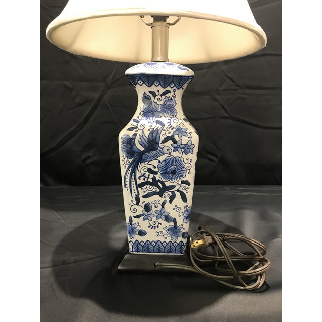 1990s Chinoirserie Blue and White Ceramic Table Lamp For Sale - Image 4 of 13