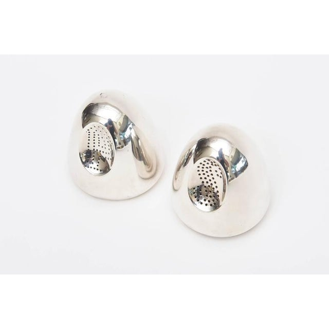 Antonio Pineda Pair of Modernist Antonio Pineda Sterling Silver Salt and Pepper Shakers For Sale - Image 4 of 9