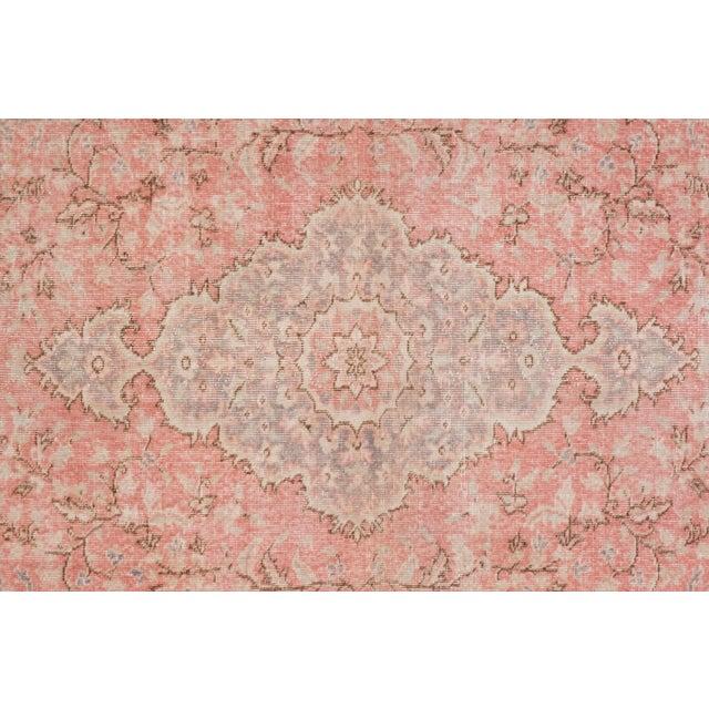 "Mid-Century Modern Vintage Floral Woolen Sparta Rug 6' X 8'9"" For Sale - Image 3 of 11"