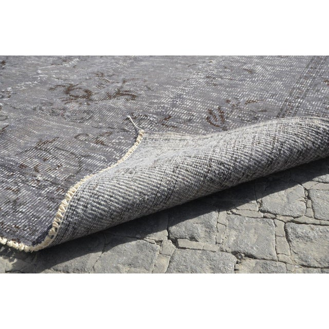 Vintage Overdyed Gray Rug - 5′1″ × 7′7″ For Sale In Austin - Image 6 of 6